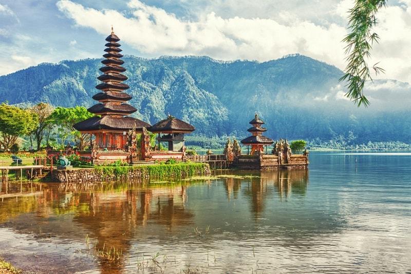 На Бали из Сингапура