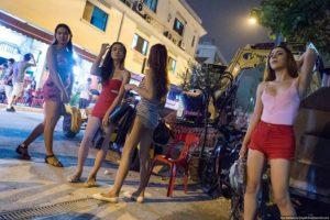 улица красных фонарей в сингапуре