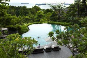 отели Сингапура с бассейном